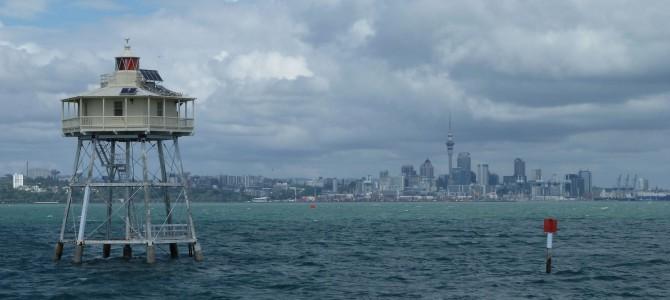 Auckland: Wolkenkratzer, Stau und Berufsverkehr